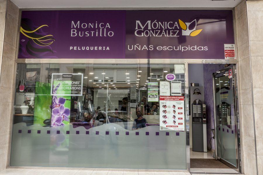 Mónica González y Mónica Bustillo. Peluquería, uñas esculpidas y estética